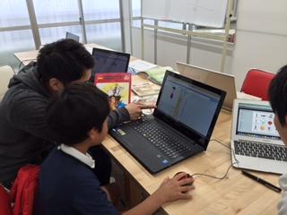プログラミング・ワークショップ開催中